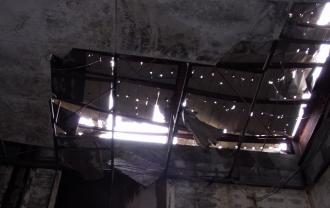 廃墟の天井